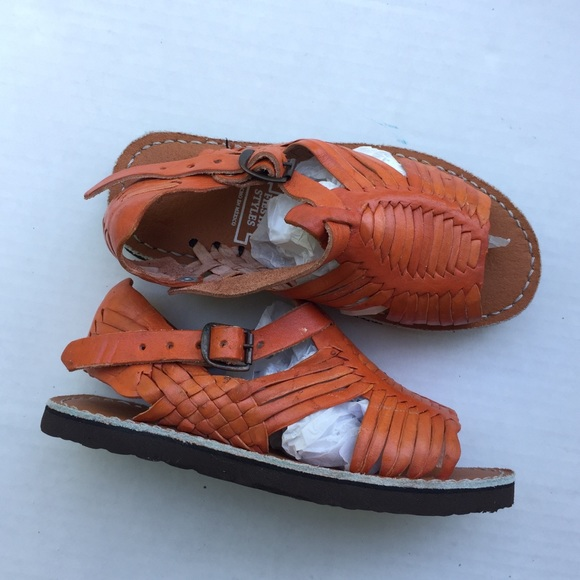 eebe7b660edd Toddler vintage leather Mexican Huaraches sandals.  M 5b637bb6cdc7f7406940c95c